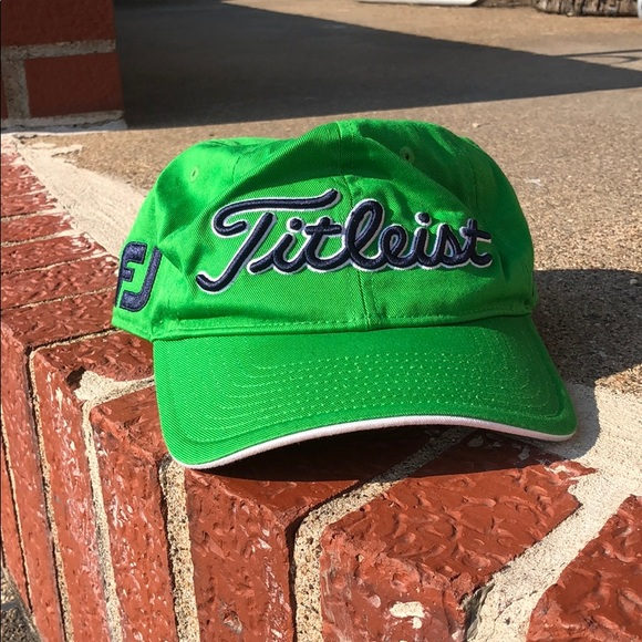 Titleist golf hat like new condition